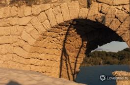 Акведукты в Кейсарии. Фото - Юрий Юхацков.