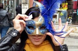 Мирьям на карнавале в Венеции.
