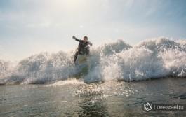 Серфинг в Израиле - это супер! Фото - Михаил Нахимович.