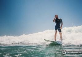Серфинг в Израиле - это красота! Фото - Михаил Нахимович.
