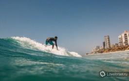 Серфинг в Израиле - это интересно! Фото - Михаил Нахимович.