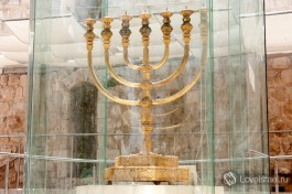 Золотая менора весом 700 кг, подаренная Иерусалиму Вадимом Рабиновичем