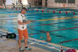 Тренер Кауфман на вечерней тренировке.