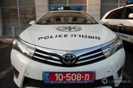 Израильская полиция. Даже не пытайтесь дать взятку, вас сразу задержат за попытку дать взятку должностному лицу.