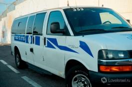 Автомобиль израильского управления тюрем.
