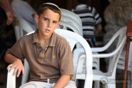 Еврейский мальчик около Стены Плача.