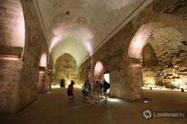 Полностью раскопанные залы крестоносцев в Акко.