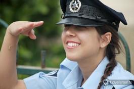 Израильский полицейский. Она настоящая )