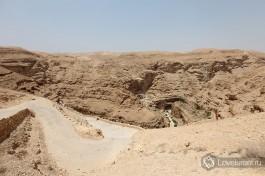 Виды Иудейской пустыни вокруг монастыря.