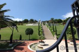 Бахайские сады в Хайфе. 1700 ступенек, посчитать которые вы можете только сверху вниз.