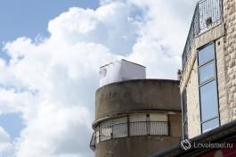 Крыша - очень удобное место для возведения Сукки.