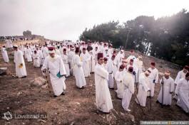 Праздничная церемония восхождения самаритян на гору Гризим в дни праздника Песах.