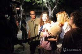 Тель-авивские пуримские зомби дают интервью Первому каналу.