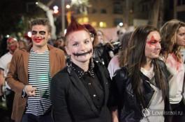 А вот это совсем иной тип мероприятия - ежегодный парад зомби на улицах Тель Авива, разумеется все что вы видите - не настоящее )