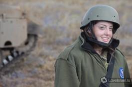 Девушки в Армии Обороны Израиля проходят службу наравне с мужчинами.