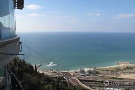 Город Хайфа - столица севера страны. Там хорошо ходить на пляж и гулять по променад на горе Кармэль.