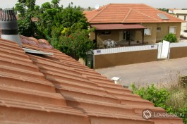 А можно снять домик/этаж/комнату в мошаве - небольшом поселении