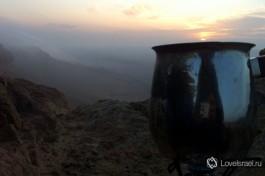 Рассвет в кратере Рамон на юге Израиля