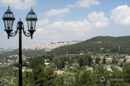 На склонах иерусалимских гор теснится множество христианских монастырей.