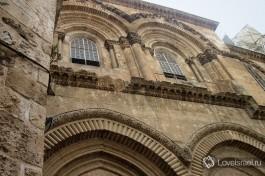 Фасад Храма Гроба Господня в Иерусалиме. Лучший пример зодчества эпохи крестоносцев.