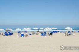И еще немного пляжа Бат-Яма, одного из излюбленных туристических мест в стране.