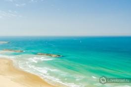 Изумительный берег Средиземного моря. Герцлия, Израиль.