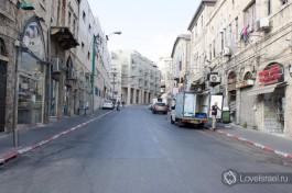 Центральная улица Яффо - Йефет, названная в честь сына  Ноя.