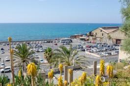 Южная часть Яффского порта - сегодня большая бесплатная парковка.
