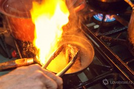 Кошерное мясо вымачивается в соли, поэтому когда будете солить ваше блюдо - осторожно!