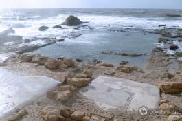 Кейсария. Место, где стоял дворец царя Ирода на берегу Средиземного моря.