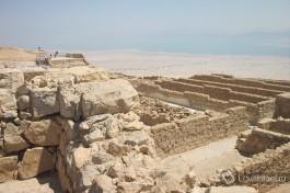Массада была построена царем Иродом в 25 году до н.э. и служила дворцом для него и его семьи.