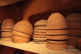 Глиняная посуда древних времен.