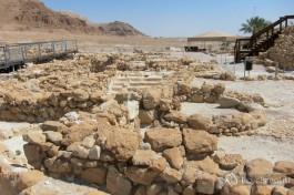 Люди в древности также уважали красивые виды из окон своих домов :)