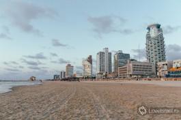 Достопримечательности Тель-Авив, пляж на закате.