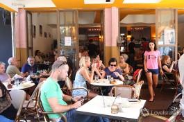 Одна из из многочисленных кафешек Израиля в городе Тель-Авиве.