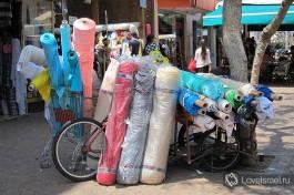 На улице Нахалат Беньямин, кроме ярмарки расположены почти все тель-авивские магазины тканей, на любой вкус!
