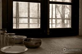 Посуда заключенных.