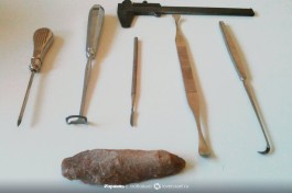 Инструментарий преисторика. Этими инструментами мы копаем.