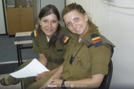 Замечательные солдатки израильской армии на нашей базе.