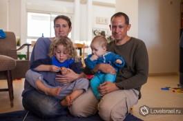 Семья Альштейн. Обычно в израильских семьях можно увидеть от 2-х до 5-х детей.