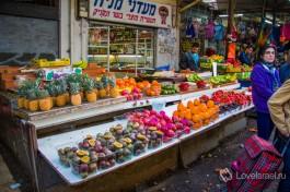 Ма израильском рынке.