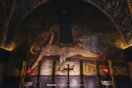 Прибивание к кресту. Мозаика во францисканской капелле на Голгофе.