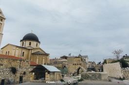 Вид на купол Немецкой Лютеранской церкви Спасителя (Редимейер) и Александровское подворье с крыш Старого города.